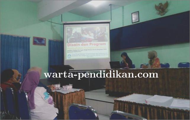 MGMP Pemasaran se-Kota Malang, Bahas Penyusunan Silabus Kur. 13 Versi 2017