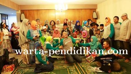 Kegiatan Positif Alumni SMA Negeri 2 Kota Malang, Santuni Anak Yatim