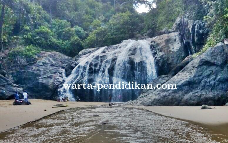 Wisata Alam Banyu Anjlok Surganya Malang Selatan Warta